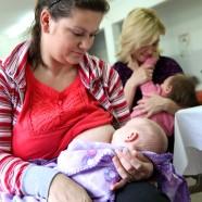 Jedna priča majke o dojenju blizanaca