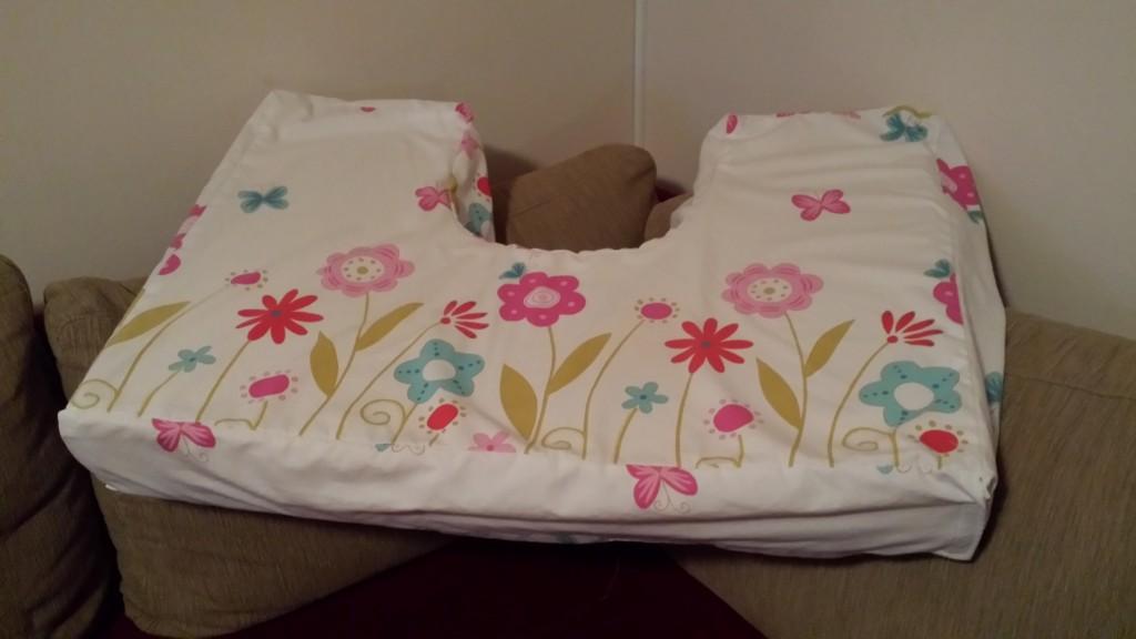 jastuk za dojenje_hugpd